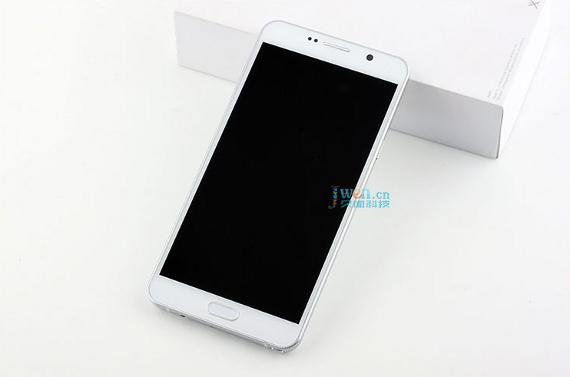 Samsung-Galaxy-Note5-L0813-1