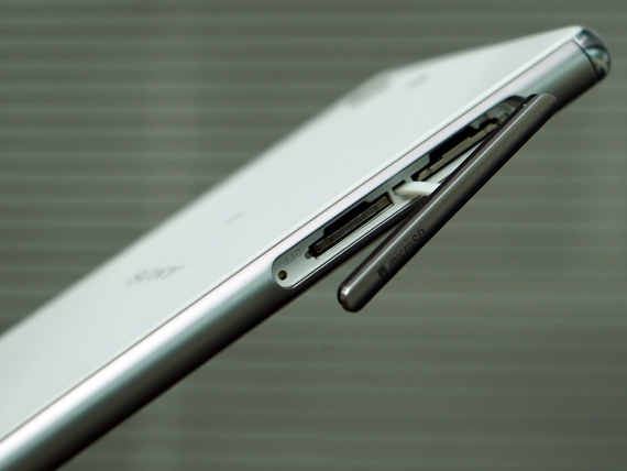 Xperia-M5-L0801-4