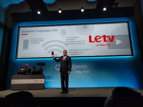 Letv-Le-Max-Pro-phablet-4