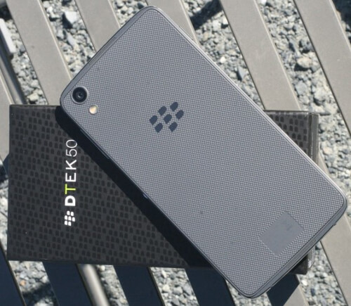 BlackBerry DTEK50-neon-4