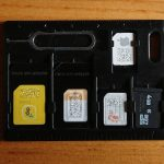 海外旅行の時に便利な財布に入るサイズのSIMカードケース
